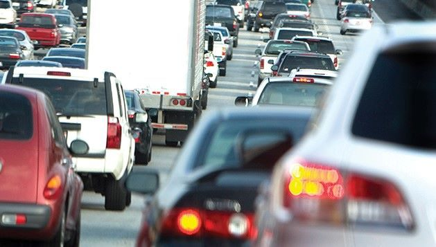 Busy-CA-freeway-photo-resized-Right-to_repair.jpg