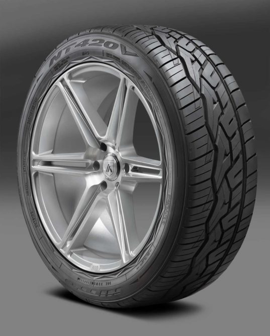 Nitto Introduces NT420V Luxury Truck and SUV Tire